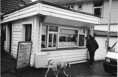Bergen hot dog stand