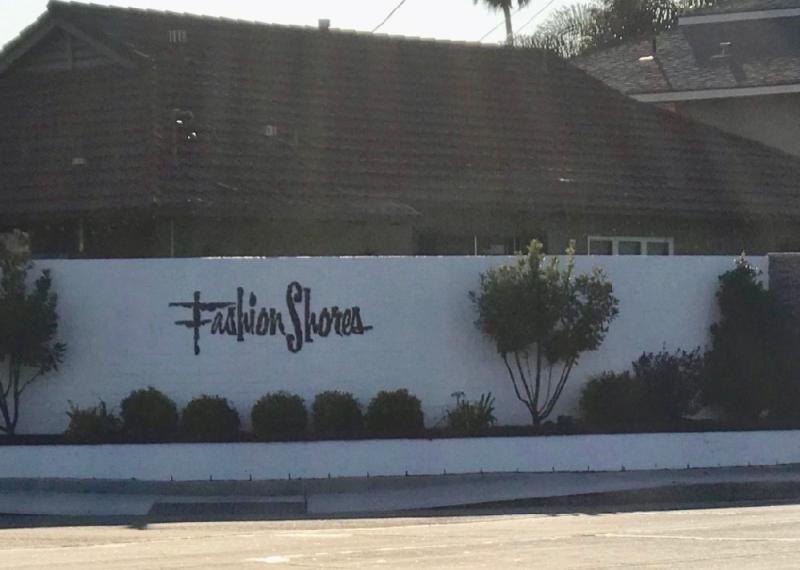 Fashion Shores Huntington Beach